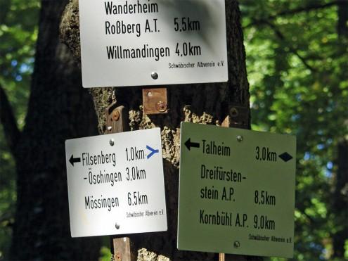 Wegzeichen des Schwäbischen Albvereins • Foto: Thomas Pfündel